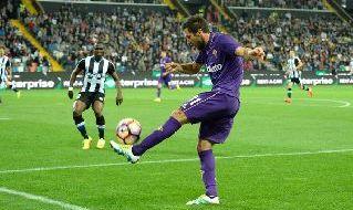 Milic con la maglia della Fiorentina