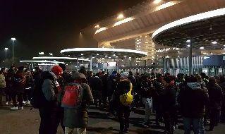 Esterno stadio San Siro: quattro tifosi napoletani accoltellati