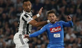 Mehdi Benatia e Dries Mertens in Juventus - Napoli