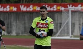 Meret infortunato nel secondo giorno di allenamento con il Napoli a Dimaro