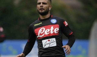Insigne con la maglia del Napoli in allenamento