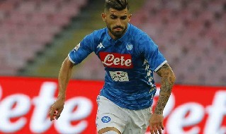 Hysaj con la maglia del Napoli