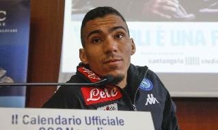 Allan in azione con la maglia del Napoli