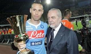 Hamsik e De Laurentiis con la Coppa Italia