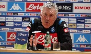 Carlo Ancelotti in conferenza stampa a Dimaro, foto Ciro De Luca